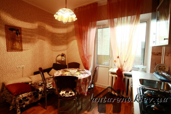 Однокомнатная квартира по ул.Михайловской 2, 500 UAH