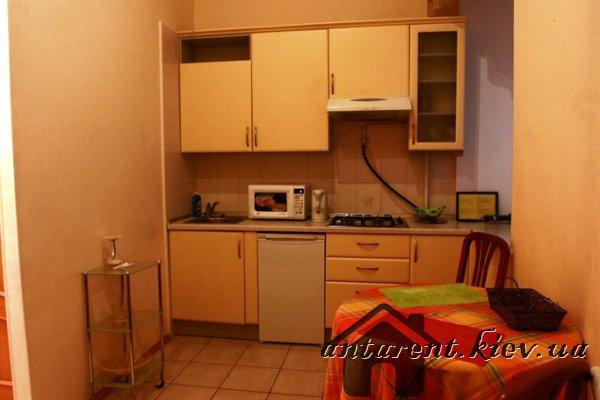 Однокомнатная  квартира по ул. Михайловская 24-В, 500 UAH