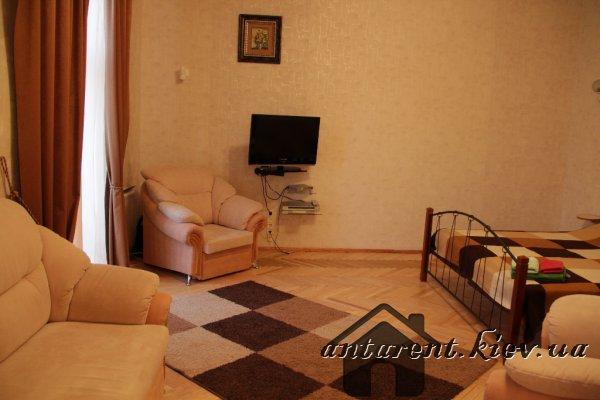 Квартира-студио, 55 м. по ул.Михайловской 24-А, 450 UAH
